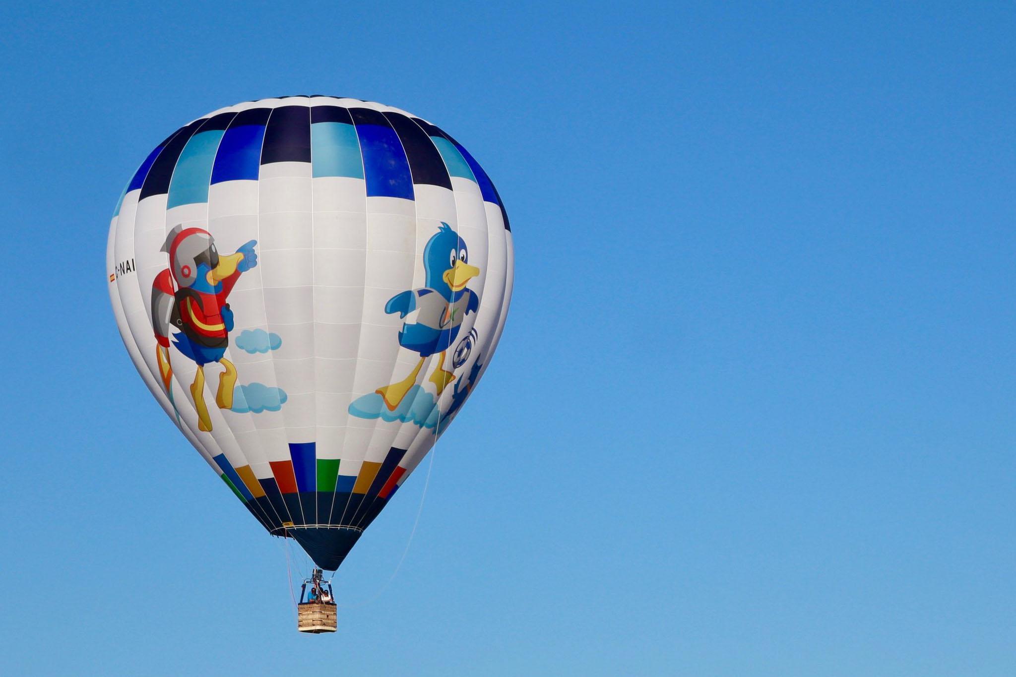 Vuela en globo cautivo para festejar celebraciones