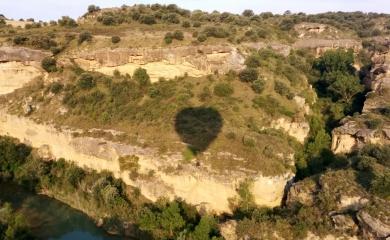 Sobrevolando la zona del río Alcanadre