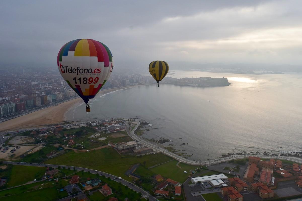 Vuelos cerca del mar en Gijón
